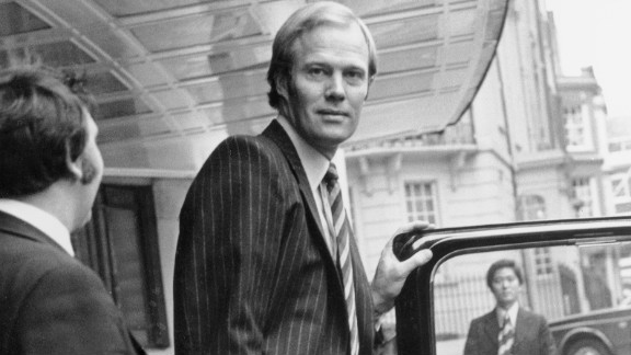 Greig took the English cricket authorities to court in 1977 after they threatened to ban players he helped sign up for the rebel World Series Cricket competition.