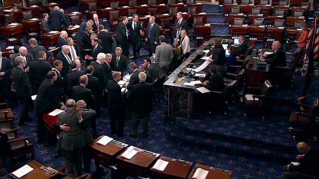 sot senate votes on fiscal cliff_00000413