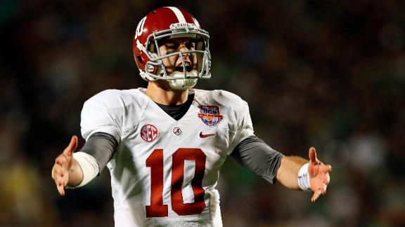 Quarterback AJ McCarron of Alabama celebrates after a touchdown against Notre Dame on Monday.