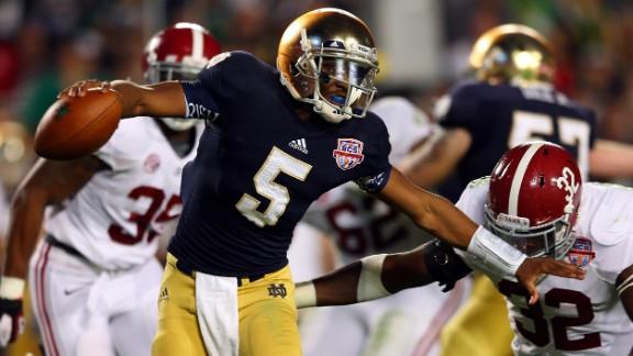 Notre Dame quarterback Everett Golson runs with the ball Monday night.