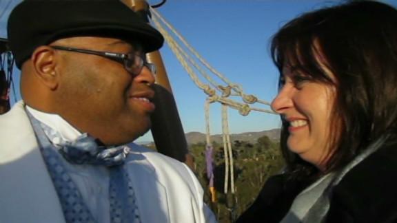 pkg hot air balloon wedding crash_00012011