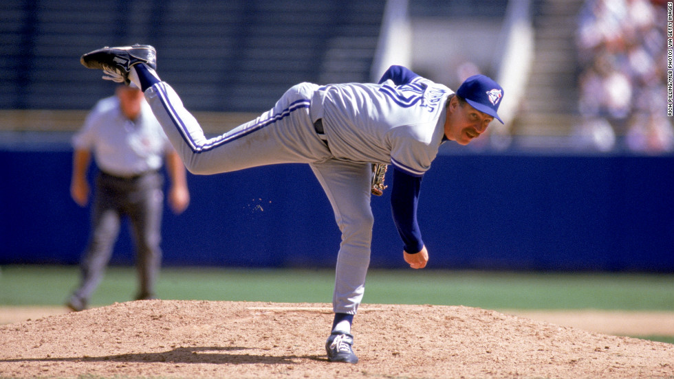 Jack Morris of the Toronto Blue Jays delivers a pitch during a 1992 game.