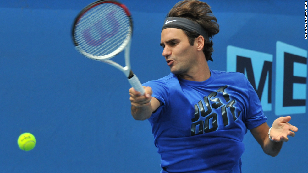 World No. 2 Roger Federer arrived early in Melbourne for January's Australian Open after deciding not to play in any warm-up events.