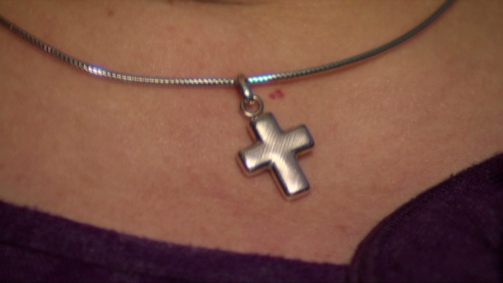 Court Rules British Christian Has Right To Wear Cross At Work Cnn