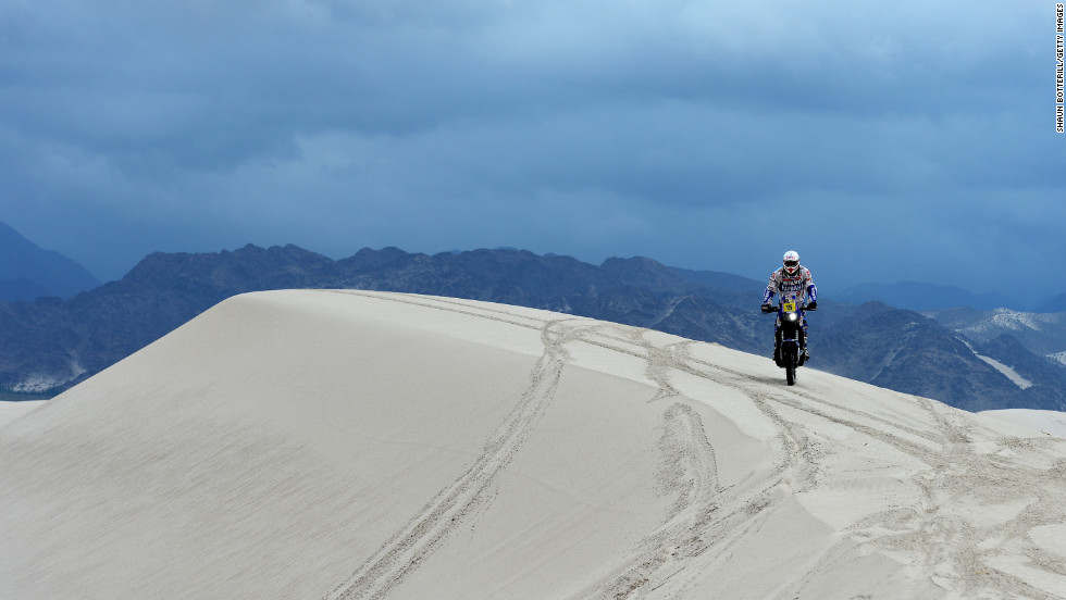 Frans Verhoeven of team Yamaha competes in Stage 11 from La Rioja to Fiambala, Argentina, during the 2013 Dakar Rally on Wednesday, January 16.