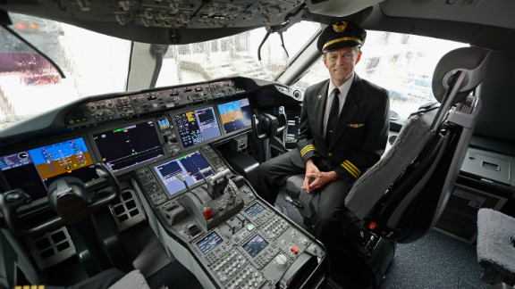 (File) United Airlines First officer Mike McCann sits in the cockpit of Boeing 787 Dreamliner on November 30, 2012 in Los Angeles.