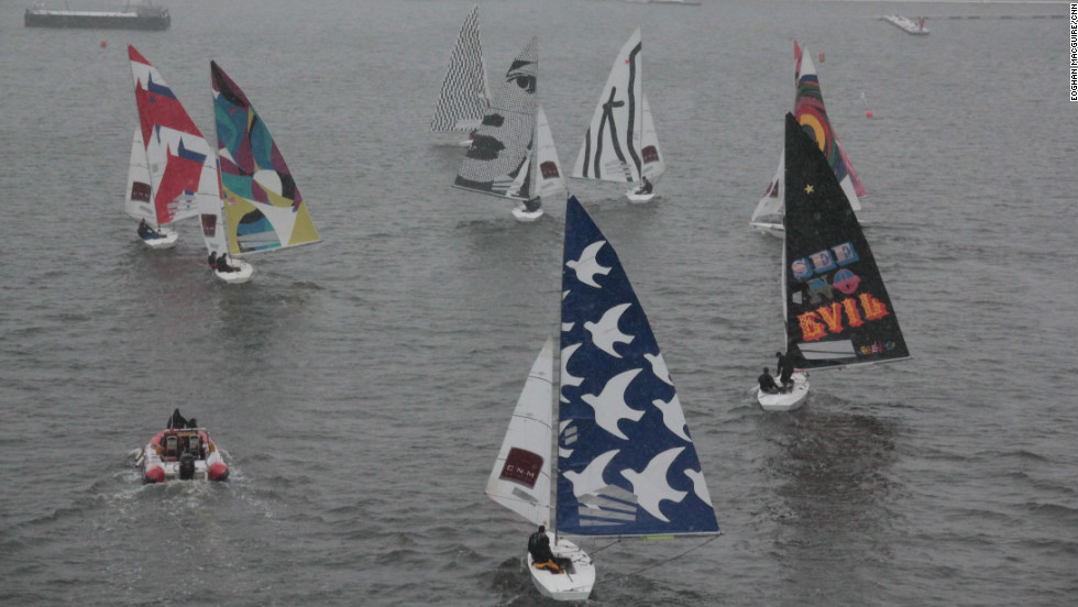 racing sails take to london dock