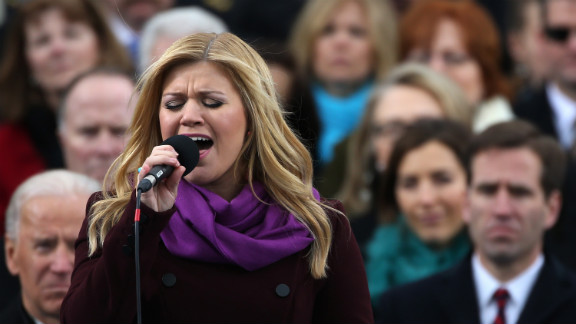"Kelly Clarkson performs ""My Country"