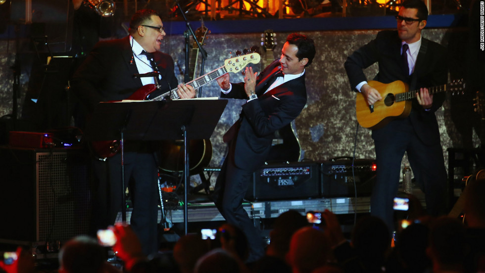 Singer Marc Anthony, center, closes out the performances at the Commander-in-Chief's Ball late Monday night.