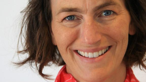 Barbara Fredrickson studies positive psychology.