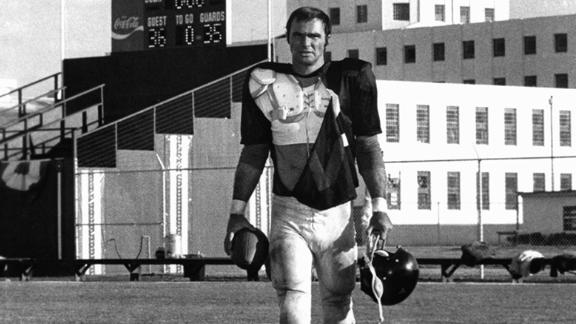 """Reynolds went back to his football days for the movie """"The Longest Yard"""" in 1974."""
