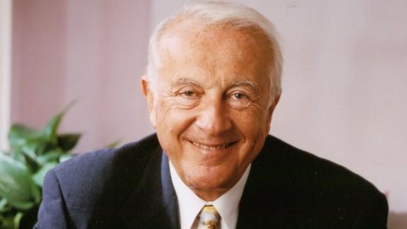 "1992: Dr. Robert C. Atkins publishes ""Dr. Atkins"
