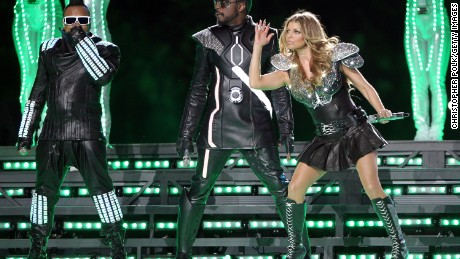 FEBRUARY 06: apl.de.ap, will.i.am and Fergie of The Black Eyed Peas perform during the Bridgestone Super Bowl XLV Halftime Show at Dallas Cowboys Stadium on February 6, 2011 in Arlington, Texas. (Photo by Christopher Polk/Getty Images)