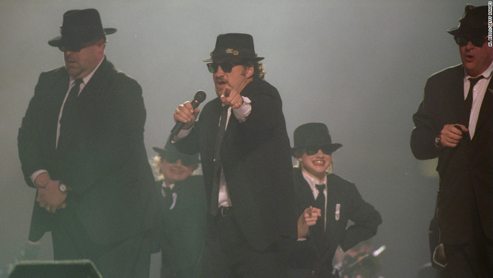 In 1997, Dan Aykroyd, John Goodman and Jim Belushi performed as the Blues Brothers. The men looked like they were having a blast, but it was one of the weakest halftime shows to date.