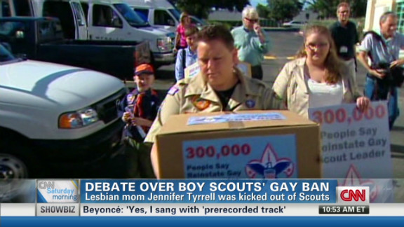 exp kaye debate over boy scout ban_00030113.jpg