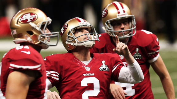 49ers kicker David Akers celebrates after kicking a 27-yard field goal in the second quarter.
