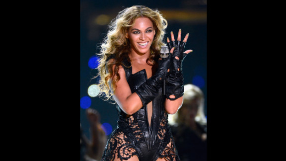 """Beyonce performed one of her solo hits, """"Single Ladies (Put a Ring On It)."""""""