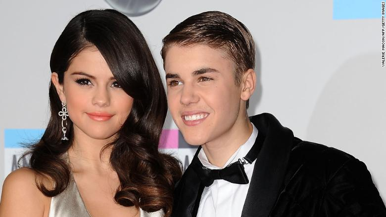 Who  s dating Justin Bieber 2016