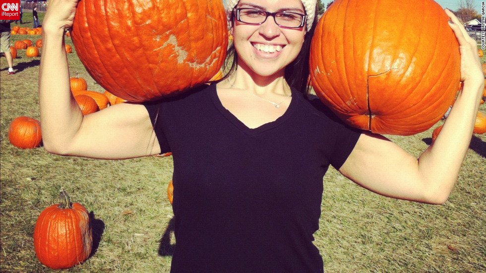 Today Garcia weighs 128 pounds. On the couple's annual trip to the pumpkin patch in October 2012, Garcia carried pumpkins to make up for missing a workout at the gym.