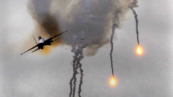[File photo] Russian Su-27 fighter jets at the Obuz-Lesnovsky firing range near Baranovichi, September 29, 2009.