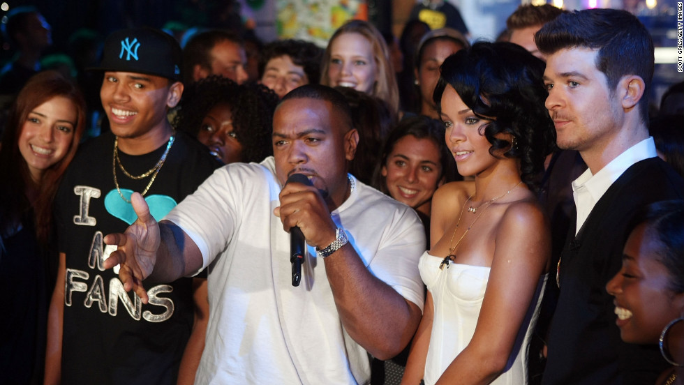 Who is rihanna dating december 2012