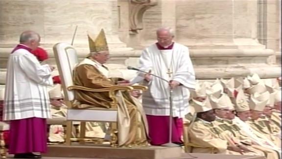 nat pkg pope benedict xvi first mass 2005_00025706.jpg