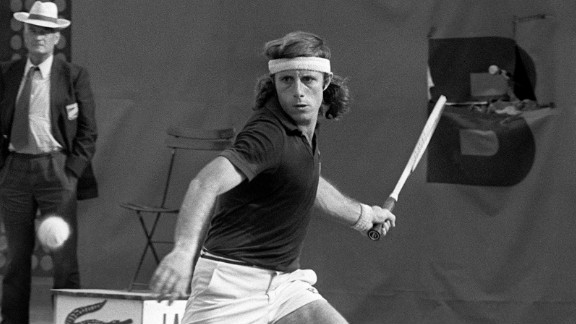 Argentina's Guillermo Vilas holds the men's record of 46 successive wins, set in 1977 when he won seven tournaments in a row as he reached No. 2 in the world rankings