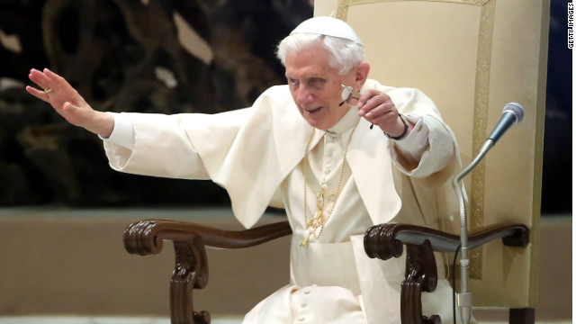 Retiring pope greets cheering crowd