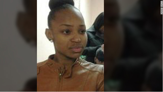 Porshe Foster, 15, got caught in gang crossfire in Chicago in November.