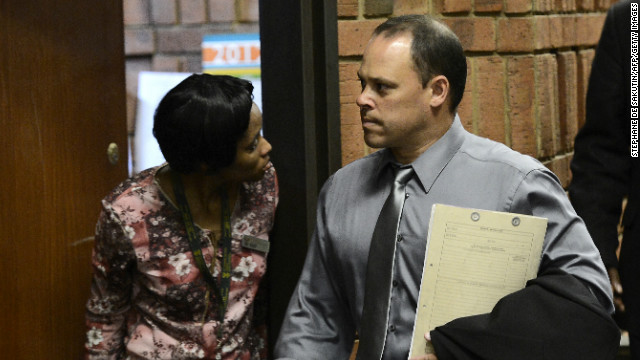 Pistorius investigator has legal woes of his own
