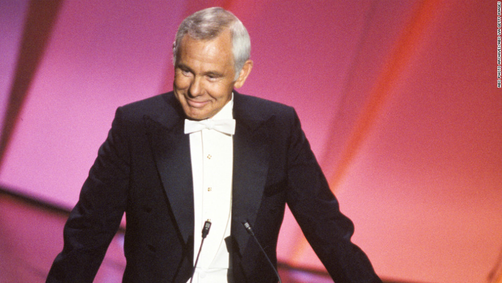 "Johnny Carson, the king of late night, hosted the Academy Awards five times between 1979 and 1984. <a href=""https://www.youtube.com/watch?v=OuTVeNS0ggY"" target=""_blank"">Carson never failed to make the audience laugh.</a>"