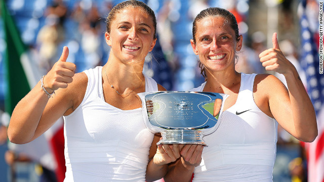 Sara Errani (L) and Roberta Vinci have won three grand slam doubles titles together as a duo
