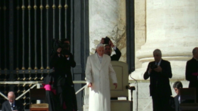 Pope says farewell to Twitter account