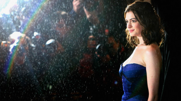 """Hathaway arrives for """"Rachel Getting Married's"""" premiere at the British Film Institue's London Film Festival in October 2008."""