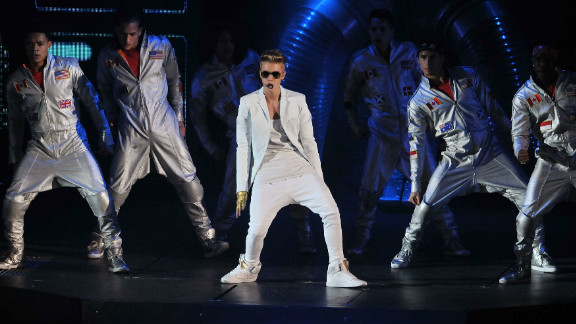 """Justin Bieber apologized to fans via Twitter after taking the stage at London's O2 Arena later than he planned on Monday night. """"I was 40 min late to stage. there is no excuse for that and I apologize for anyone we upset. However it was great show and Im proud of that,"""" the singer wrote, noting that he wasn't two hours late, as some media outlets, including CNN, reported. But Bieber, who chalked the delayed entrance up to """"3 opening acts"""" and """"technical issues,"""" isn't the tardiest artist by a long shot."""