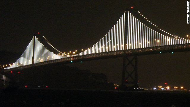 san francisco turns a bridge into art with 25 000 lights cnn