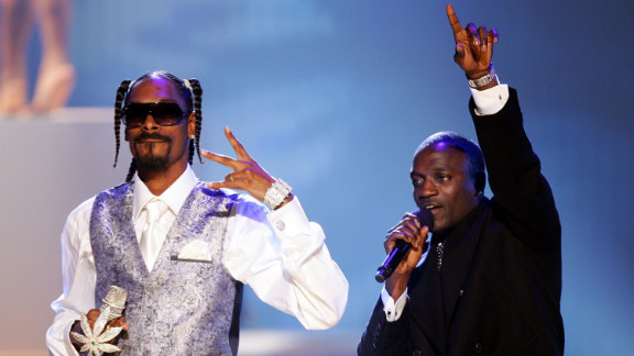 """Snoop Dogg and Akon perform at the 2006 American Music Awards in Los Angeles. Snoop featured on Akon's U.S. number one hit """"I Wanna Love You."""""""