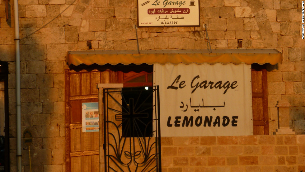 The Garage in Batroun offers the area's renowned sweet-and-tart lemonade, made from the local citrus harvest and served ice-cold.