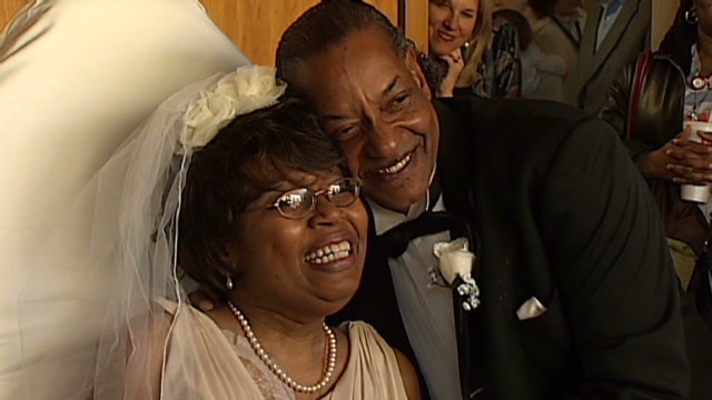 Cancer patient weds in hospital