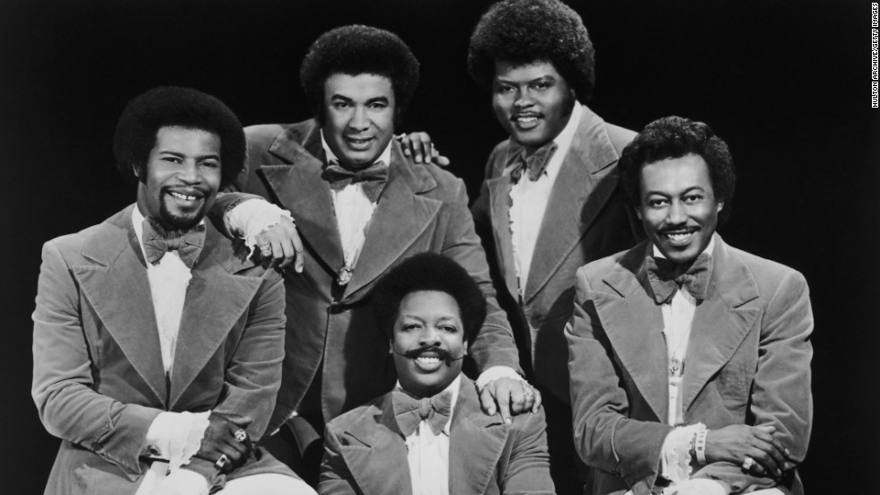 "<a href=""http://www.cnn.com/2013/03/19/showbiz/music/obit-bobbie-smith-spinners/index.html"">Bobbie Smith</a>, who as a member of the Spinners sang lead on such hits as ""I'll Be Around"" and ""Could It Be I'm Falling in Love,"" died on March 16 at age 76. Pictured clockwise from left, Spinners band member Pervis Jackson, Billy Henderson, Jonathan Edwards, Bobbie Smith and Henry Fambrough, 1977."