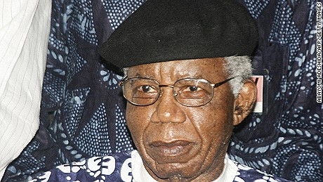 Chinua Achebe, literary icon and author of 'Things Fall Apart,' dies at 82