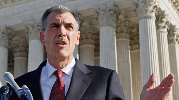 Donald Verrilli Jr. outside the Supreme Court in 2007.