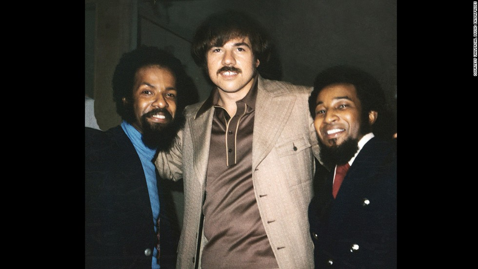 "<a href=""http://www.cnn.com/2013/03/25/showbiz/celebrity-news-gossip/deke-richards-obit/index.html"">Deke Richards</a>, center, died March 24 at age 68. Richards was a producer and songwriter who was part of the team responsible for Motown hits such as ""I Want You Back"" and ""Maybe Tomorrow."" He had been battling esophageal cancer."