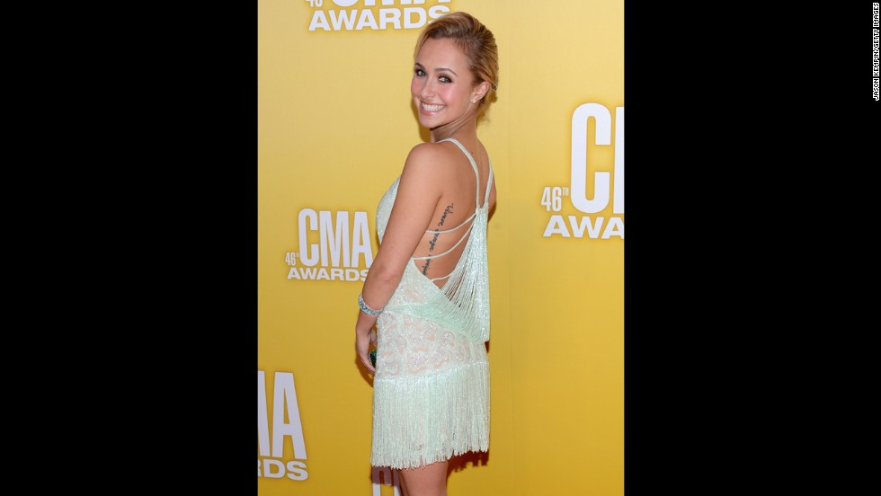 "Hayden Panettiere loves showing off her ""Vivere Senza Rimipianti"" tattoo. The phrase, which means ""to live without regret"" in Italian, is misspelled."