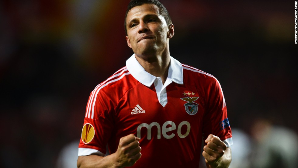 Rodrigo Lima capitalized on some poor defending to make it 2-1 after the interval, before Cardozo netted a penalty to seal a 3-1 win.