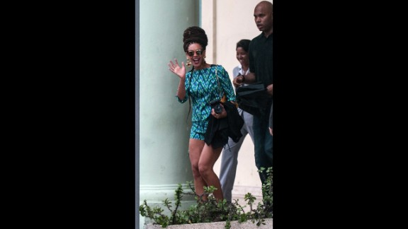 In early April 2013, the singer and her husband were once again the subject of critical headlines when they took a trip to Cuba to celebrate their fifth anniversary.