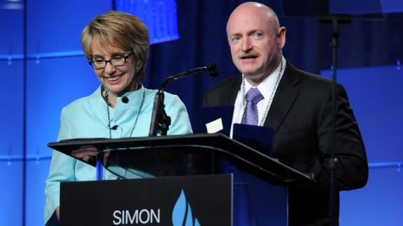 Giffords and Kelly speak at the Simon Wiesenthal Center