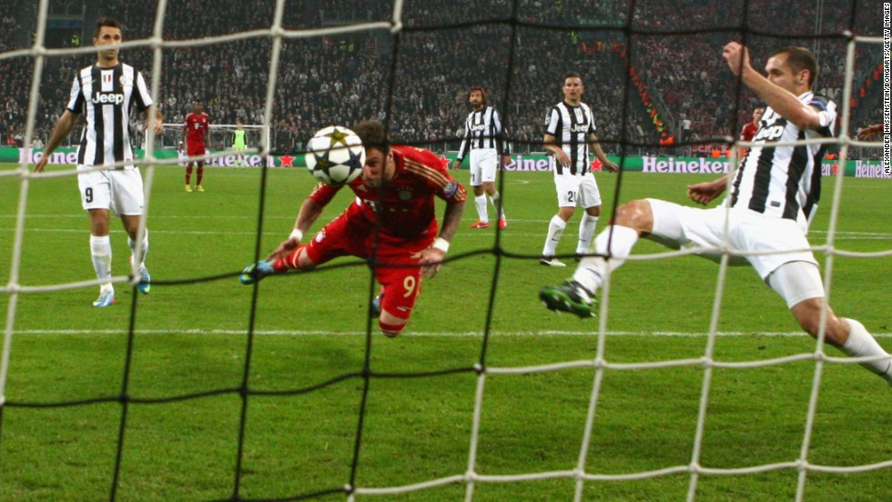 Mandzukic killed off any hopes of a Juventus comeback by heading from close-range with 64 minutes on the clock.