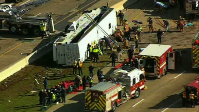 Video shows overturned bus in Texas