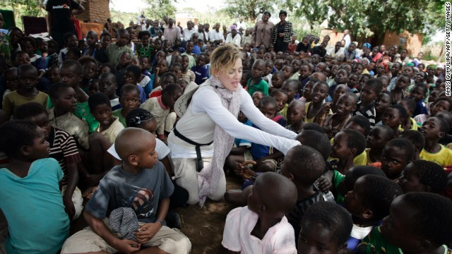 Madonna spars with Malawi government